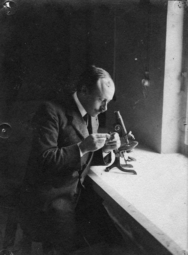 Le docteur Ludovic Blaizot à l'Institut Pasteur de Tunis